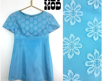 Cute Vintage 60s Pretty Blue Mini Party Dress with Floral Lace - Flower Power Wow!