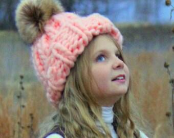 Mega chunky knit hat beanie with giant big yarn with fur pom pom