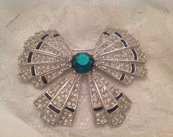 Art Deco 89 Signed Brooch ~ Vintage Beautiful and Rare Brooch ~ Bow Shaped Silver Rhinestones ~ Emerald Colored Stone ~ Gift For Mom or Her
