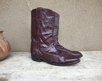 Well-worn vintage Women's boots Size 7.5 C (run small) cowgirl boots, oxblood brown Justin Roper boots rockabilly, cowboy boot, vintage boot