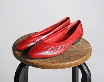 Vintage Woven Leather Flats - Red Loafers Flat Pointed Slip On Women's Shoe Summer Casual - Size 7 1/2 M