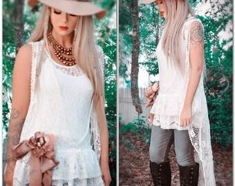 Magnolia white pearl lace tunic top, Bohemian winter white n ecru lace tunic, Boho style clothing, shabby cottage chic True rebel clothing M