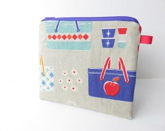 Medium zippered coin purse