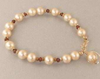 Cream Pearl Gold Bracelet,  Cream Pearl and Red Garnet Gemstone Single Strand Gold Bracelet Gift For Her, Pearl and Garnet Gemstone Bracelet