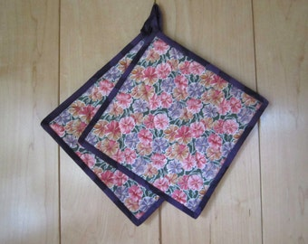 """Floral Quilted Potholders """"Summer Flowers"""" Quilted Hotpads, Set of 2, Purple and Pink, Quiltsy Handmde"""