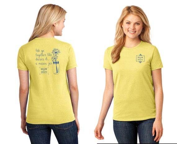 Below the Mason Dixon Apparel T-Shirt Fashion T-Shirt Daisies in a Mason Jar 100% Cotton Relaxed Fit Womens T-Shirt