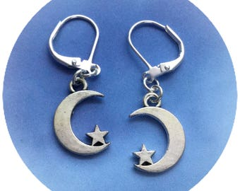 Small Moon and Star earrings, crescent moon and star, 18mm