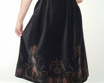 30% off// Vintage Brocade 70s BLACK Velor Midi Skirt