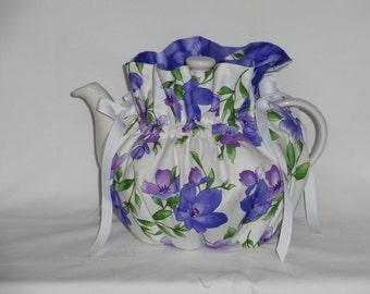 Pretty Violets  Reversible 6 Cup Teapot Cozy