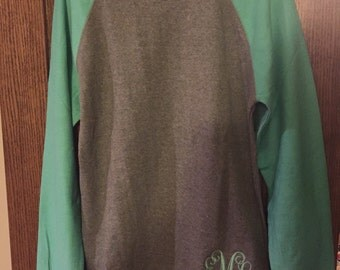 Monogrammed sweatshirt raglan