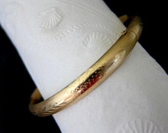14K Solid Yellow Gold  Bangle/Bracelet ,7.3 Grams