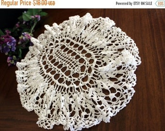 Oval Doily in White, Crochet Centerpiece, Hand Crocheted,  Vintage Table Linens 13711