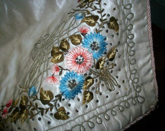 Breathtaking antique 19th century french silk and metal embroidered cloth