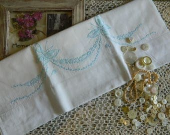 Sweet Embroidered Pillowcase #120
