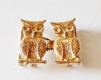 50% half off sale // Vintage 70s Gold Owl Duo Belt Buckle by Jeannie
