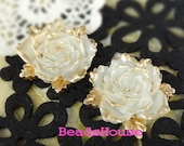 600-00-CA  2pcs  Pretty Big Rose Cabochon - Goden/Snow White