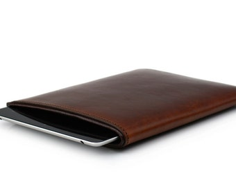 Leather iPad Sleeve // Tablet cover // Device holder