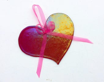 Fused Glass Heart Suncatcher (Irridized Fuchsia)