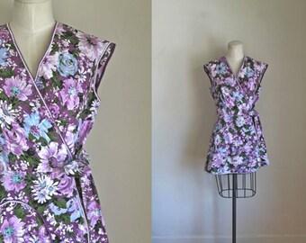 vintage 1950s cobbler apron - SCABIOUS purple floral smock top / XS-L