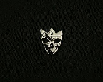 Crowned Skull Pin