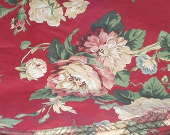 Vintage Tablecloth Table Cloth Retro Burgundy Maroon Roses Floral Print 74 Inches Round Polyester Cotton Retro Decor Echo Brand 3172