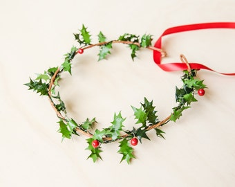 festive christmas holly hair wreath // red green flower crown delicate festive season party, mistletoe, december