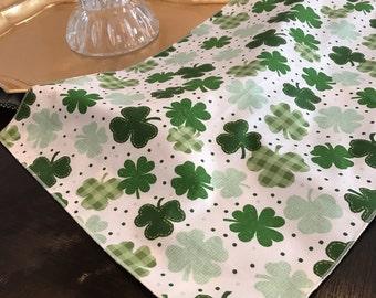 St Patricks Day Table Runner |  Shamrock Table Runner | Irish Table Runner