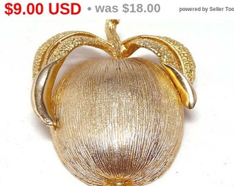 Golden Apple by Sarah Coventry - Vintage Brooch