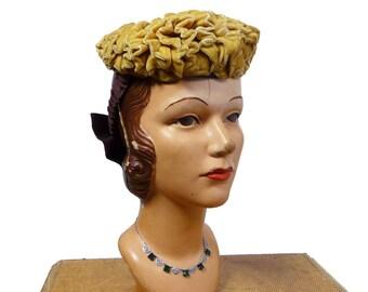 1940s Velvet and Grosgrain Ribbon Hat