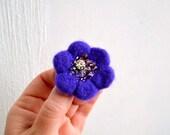 Little Needle Felted Brooch Purple Wool Felt Flower, Small Felt Flower Pin, Little Flower Brooch, Felted Flower,Corsage Brooch,Woolen Brooch