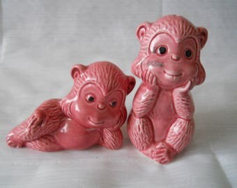 Pink Monkey Salt and Pepper  Shakers - vintage, collectible, animals, Japan