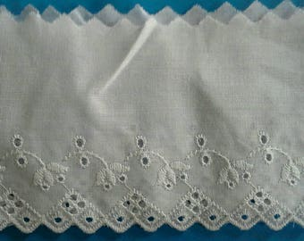 Wide Eyelet Lace Sewing Trim 2 Yards by 4 Inches Wide L0601
