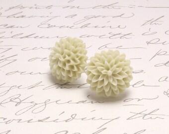 Cream Vanilla Floral Stud Earrings. Resin Flower Dahlia Earrings. Simple Floral Stud Post Stud Earrings