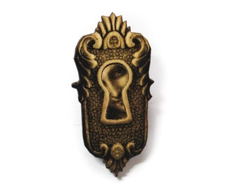 Steampunk Antique Keyhole Wooden Brooch Pin