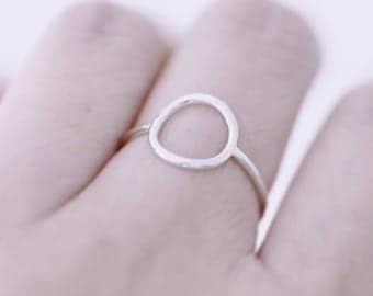 Hammered Circle Sterling Silver Ring, Minimalist Silver Ring