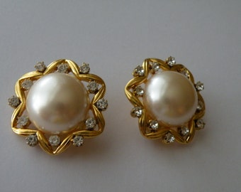 Joan Rivers Clip On Earrings Simulated Faux Pearl Crystal Gold plated.