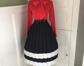 VINTAGE 1950s 1960s Black  & White Striped Accordion Style Pleated Full Skirt