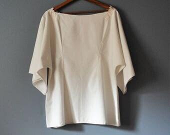 White Kimono Style Tunic Top with Lace?Upcycled Vintage/Kanji/Sashiko Stitching