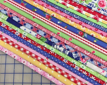 20 Fat Quarters - PAM KITTY 1930's ~ LakeHouse Dry Goods Quilt Fabric ~ by Holly Holderman