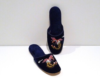 Blue Velvet Phoenix Slippers Vintage Beaded Velvet Shoes Size 40 Size 9 China Navy Chinese Flats Beads Sequin Mystical Bird Mules 50s 1960s