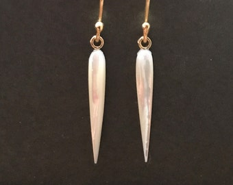 Mother of Pearl Icicle Earrings 18k