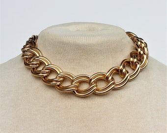 Vintage 1991 Avon Bold Links Goldtone Chunky Double Curb Chain Traditional Preppy Gold Tone Adjustable Length Necklace in Original Box NIB