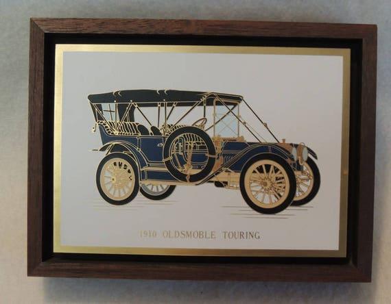 Original Vintage Auto Plaque Picture.. Acid Etched Metal & Enamel.. 1910 Oldsmobile