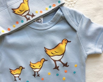 Make Way for Ducklings/ Light Blue Organic Cotton baby bodysuits and matching hat clothing sets/  boston ducklings on the commons