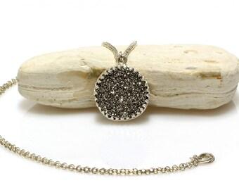 Druzy necklace,druzy pendant,silver pendant necklace,silver necklace,gemstone necklace,long necklace