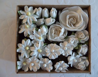 White Flower Embellishments - Paper Assortment - White Roses Buds & Daisies - Flower Appliques - Green Floral Wire Stems - Qty 24 pieces