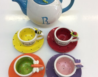 Garden Wonders Tea Set