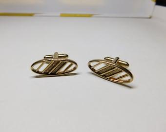 Vintage Men's Hickok Gold Tone Geometric Shaped  1960's Cuff Links