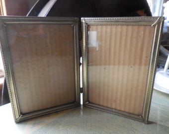 Vintage 1950s to 1960s Gold Tone Retro Hinged Photo/Picture Frame Self Standing 5x7 Double