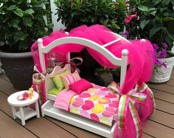 American Girl Doll: Furniture, canopy bed, pink and green hearts  bedding